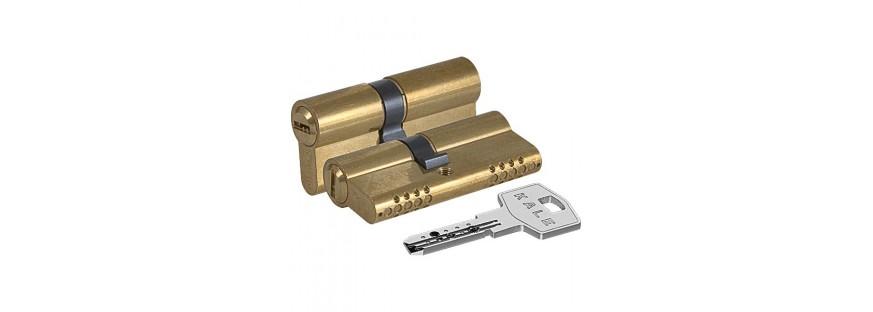 С профильным ключом Ключ-ключ