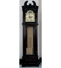 Напольные часы с маятником